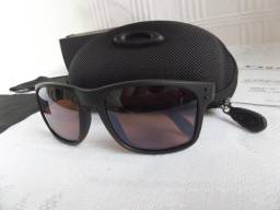 8b93a3a38 Óculos Oakley Holbrook Apocalypse Surf Collection Prizm - Importado e Novo