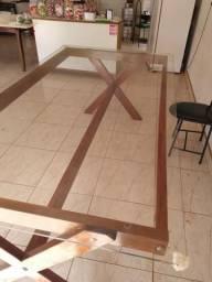 Vende se mesa de vidro com base de madeira semi nova!!!