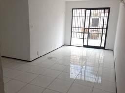 Apartamento 75 m², nascente no Calhau, Cond. Barramar, 03 qtos s/ 02 suítes