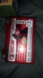Vendo essa bateria seme Nova dois mes de uso bateria da NJ 12-9 12v-9 Tou vendendo por 275