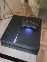 PS4 com 70 jogos