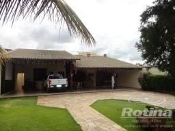 Casa à venda, 4 quartos, 6 vagas, Presidente Roosevelt - Uberlândia/MG