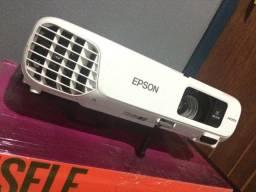 PROJETOR EPSON x24+ alta definição com tela elétrica SMART