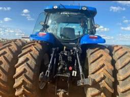 Trator New Holland TM 165