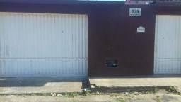 Vende-se uma casa no Bairro Itapuã Eunápolis/Ba