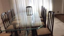 Mesa em vidro de 8 lugares com aparador e espelho