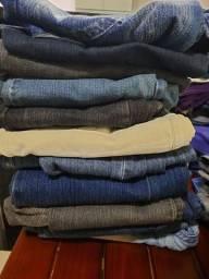 Mala com 10 calcas jeans e 2 macacão jeans feminina