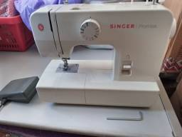 Máquina de costura singer