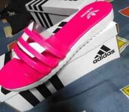 Vendo Sandálias Adidas