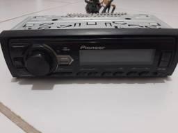 Som automotivo Pioneer MVH 98UB com USB