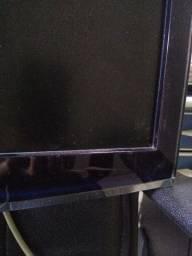 Tv monitor para retirar peças.