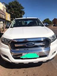 Vendo Ford ranger XLT flex 2017 ou troco em Agio Hilux