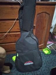 Vendo violão de qualidade 400 reais