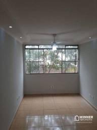 Apartamento com 3 dormitórios para alugar, 64 m² por R$ 900,00/mês - Zona 08 - Maringá/PR