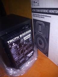 Monitor ativo novo behringer b3030a ativo