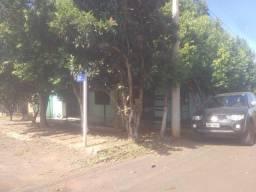 casa 110m2 mais terreno 14 por 20 Centro Ajuricaba (esquina)