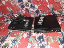 Vende-se 2 aparelhos de Dvd