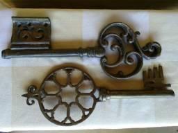 Chaves em bronze para decoração peças antigas