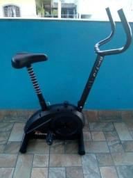 Bicicleta ergométrica semi nova