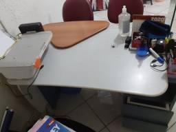 Mesa Escritório/ Impressora / Bebedouro
