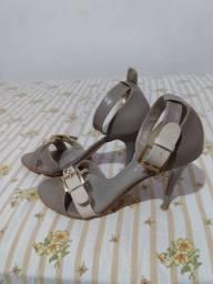 Sandália cinza/nude 38