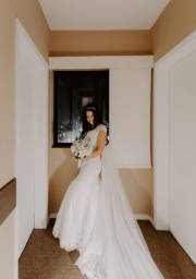 Vestido de noiva Sereia (38,40 ou M) + Roby noiva branco