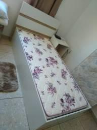 Vendo cama sem colchão