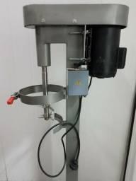 Máquina para bater (refinar) açaí