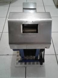 Máquina de Caldo de Cana (Engenho)