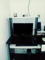 Monitor e teclado e mause