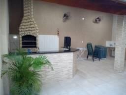 Casa com 3 dormitórios sendo 1 suite com area gourmet, bairro Paranapunga, tres lagoas
