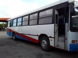 Vendo ônibus coletivo