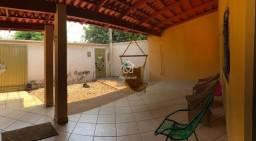 Sobrado com 280 m² sendo 6/4 e duas Suítes no Centro de Palmas.