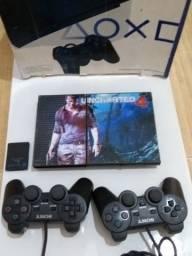 Play 2 completo na caixa com 2 controles