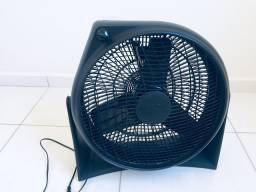 Ventilador/circulador de ar Britânia C400 preto (40 cm)