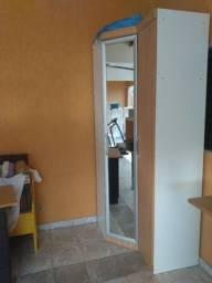 Módulo de canto espelhado e módulo lateral sem espelho para guarda roupas