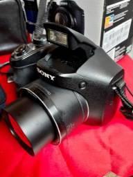 Sony - Câmara Fotográfica Semi profissional - Preta
