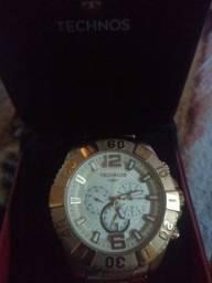Relógio TECHOS