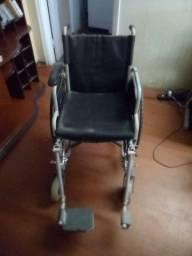 Cadeira de rodas e material de cuidados pessoais para idosos _ fraldas tamanho M