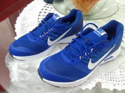 Sapato tênis Nike