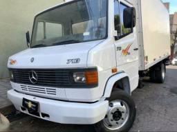 Caminhão Mercedinha 710
