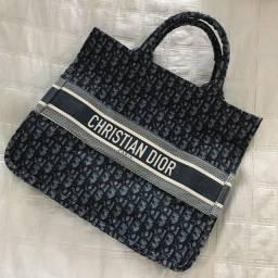 (nunca usada) Bolsa de mão Christian Dior, primeira linha.