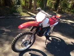 Moto Yamaha DT 200 cc