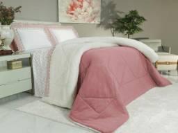 Edredom Plush e Efeito Pele de Carneiro  rosa e branco