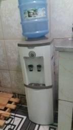 Gelagua  de canto para galão de água