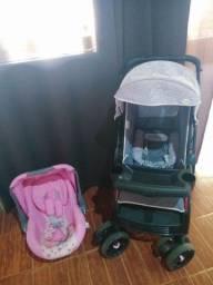 Vendo carrinho é bebê conforto  semi novos