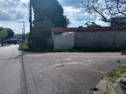 Bela casa com terreno grande na principal de esquina bom p residencial ou comercial