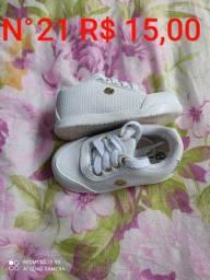 Lote de Sapatos Menina Preco e tamanho nas fotos