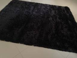 Lindo tapete felpudo preto grande