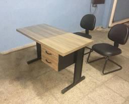 Jogo de mesa de escritório com 02 de cadeiras